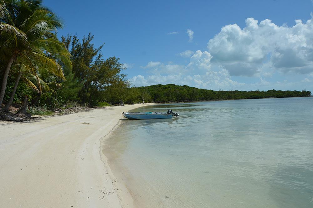 Guana Cay Island by MOTO-MG 20